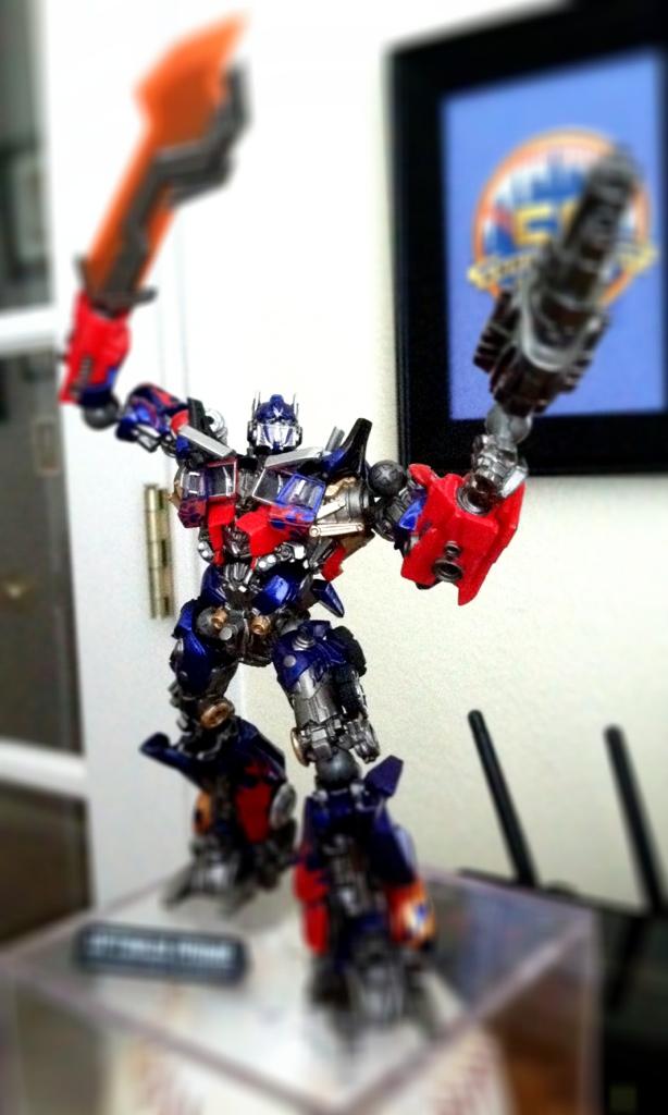 Revoltech DOTM Optimus Prime